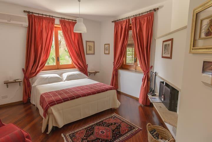 """Villa """"Al Colle dei Principi"""" - Quasimodo House"""