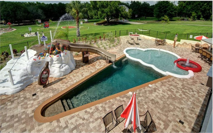 Sleeps 52 - Sweet Escape On 5 Private Gated Acres