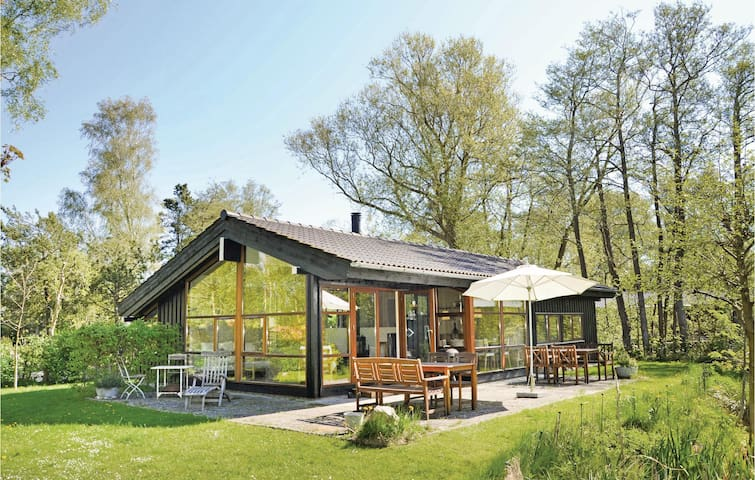 Holiday cottage with 3 bedrooms on 90m² in Jægerspris