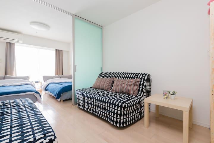 Spacious room/near station/DOTONBORI/pocketWifi