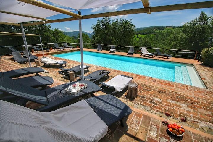 Maison de campagne de luxe avec piscine à Umbertide