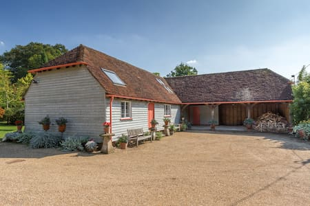 Contemporary Barn Conversion - Wisborough Green
