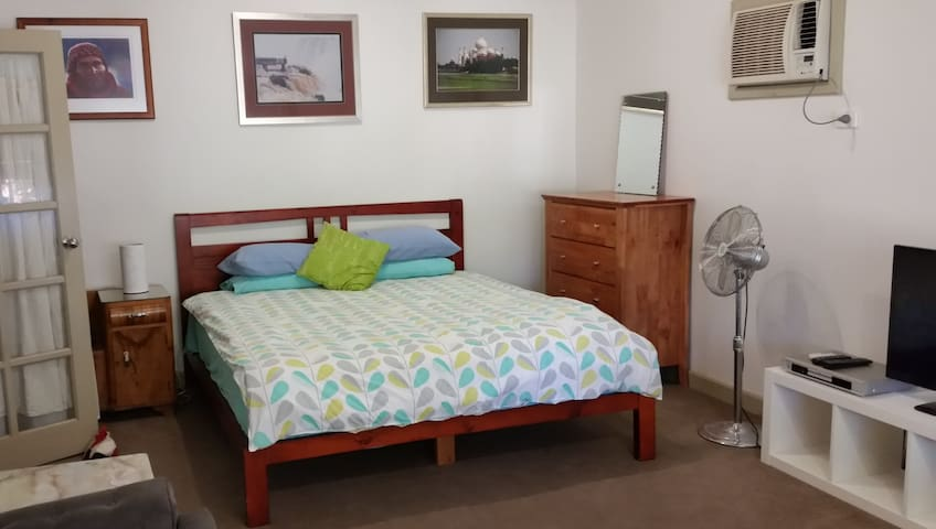 Huge Room For Rent Near the Hill's of Perth!