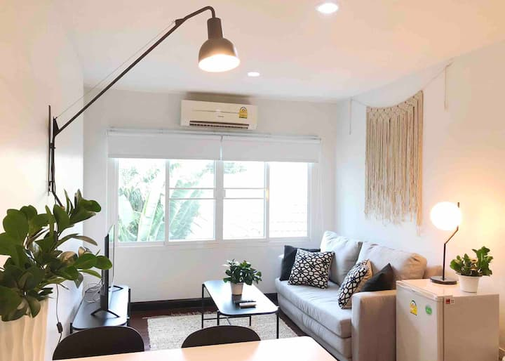 COZY 1 BR IN SATHORN, CITY CENTER, BTS!