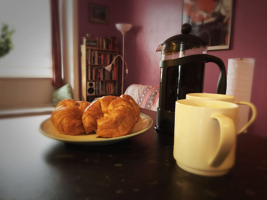 There'll be coffee, tea and fresh bread waiting for you on arrival.