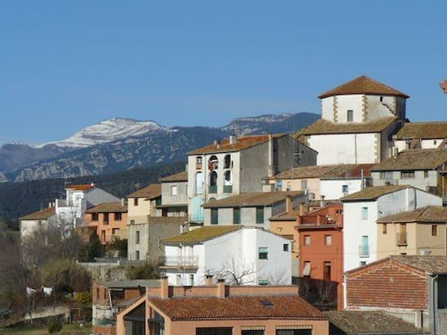 Habitación doble con baño (Tortellà-Alta Garrotxa) - Tortellà - Huis