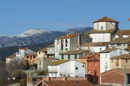 Habitación doble con baño (Tortellà-Alta Garrotxa) - Tortellà - House