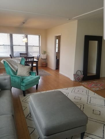 Room in Charming Sun Filled Lincoln Square Condo