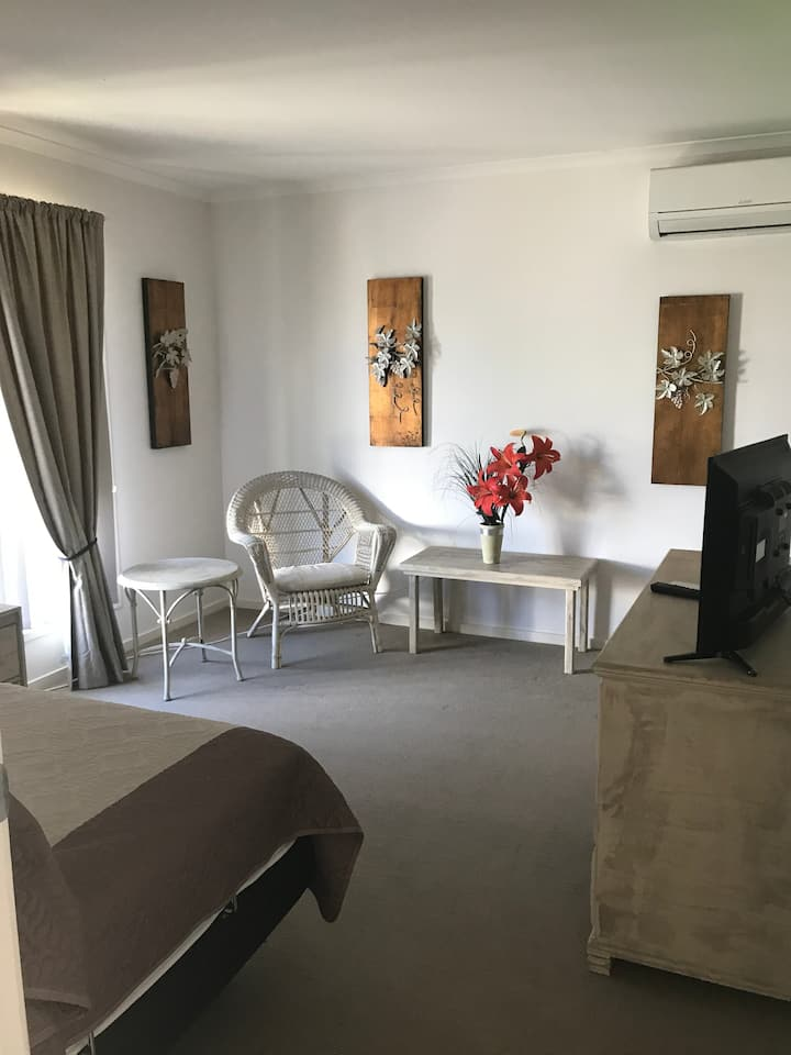 Homey Independent Flat in Caboolture