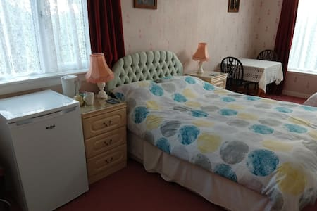 CARTMEL, route NC500, ensuite room, 1 person or +3
