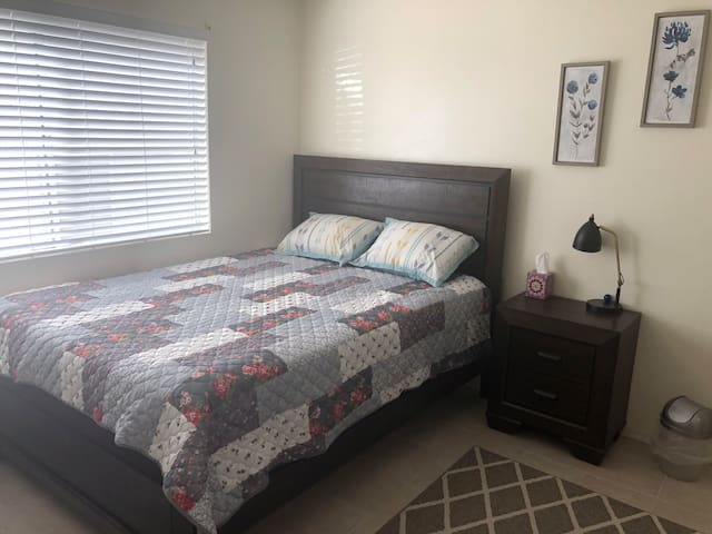 Cute 1 Bedroom In La Verne