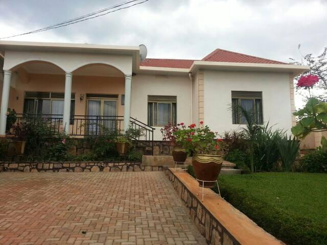 Kunda Apartment Fullfurnished house - Kigali - Hus