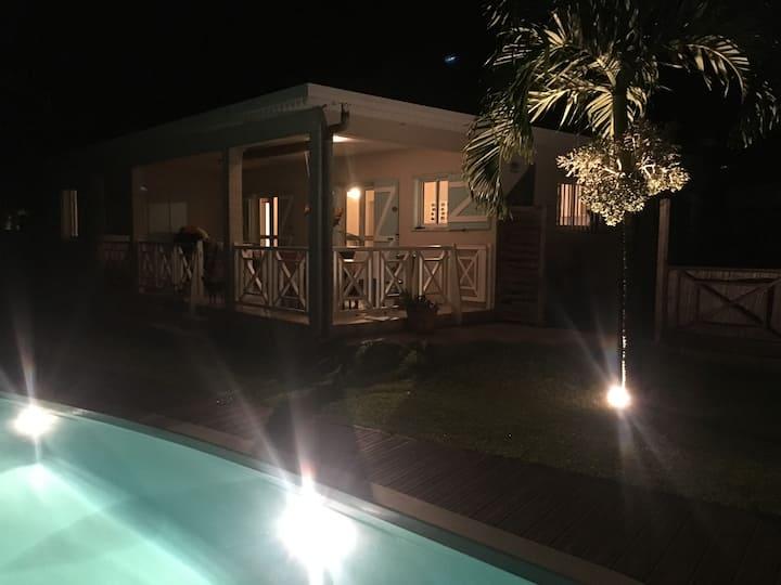 Villa Piscine chauffée 4 chambres