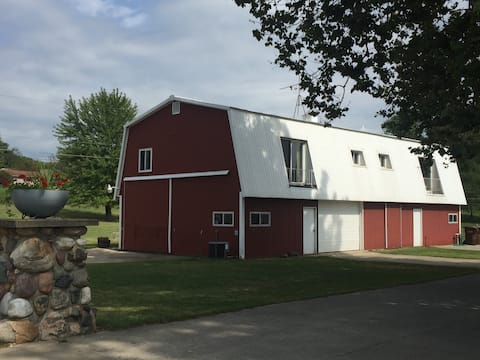 Bodie's Barn Apt. 2 on Beautiful Lake Gage
