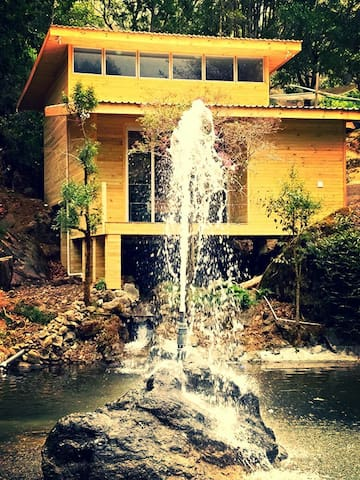 Dreamwater Villa..Private Waterfall