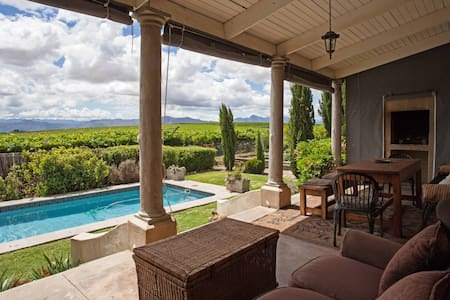 Private oasis in the vineyards - Riebeeck Kasteel