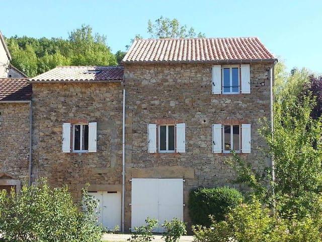 Maison de Village 130m² rénovée avec jardin