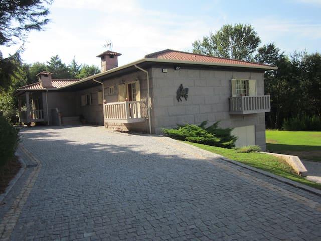 Casa do Cavalinho - Prazins (Santa Eufémia) - Mökki