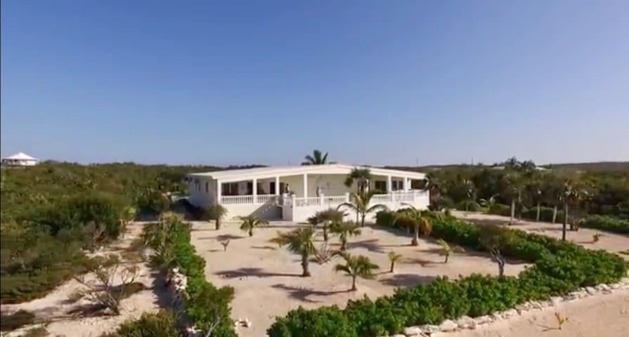Beachfront Home - House Marlin