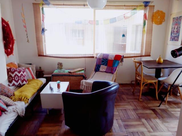 Habitación Individual/  Single Room Available