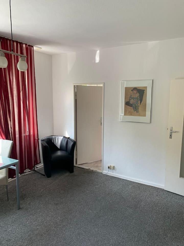 ganze Wohnung, Sehr Zentral in Berlin Schöneberg