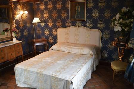 Chambre Bleue au Chateau - Mignerette