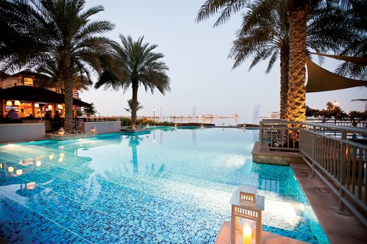 Beautiful 2 bed penthouse apartment with sea views - Dubai - Apartment