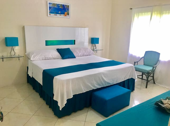 Sunset villa - 7 minutes from the beaches
