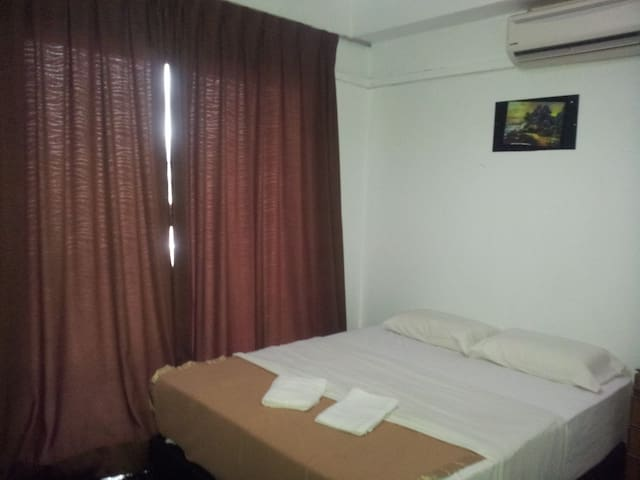 BED ROOM WITH AIR COND