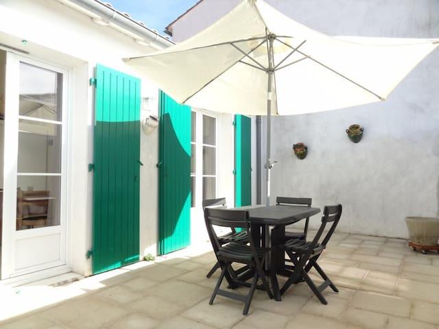 Location Maison Porcelaine La Couarde / île de Ré - La Couarde-sur-Mer - Apartment