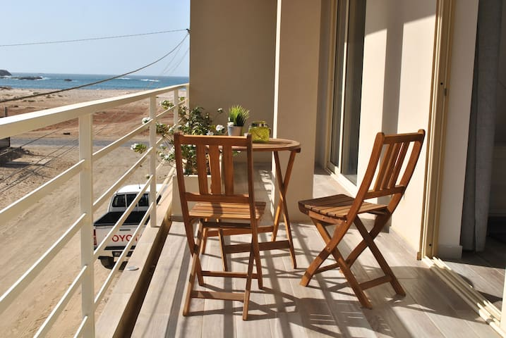 Sea View & Wifi - Appartment directly on the beach