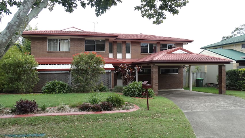 4BR hse, roomy, pool, centrally located. - Everton Park - Casa