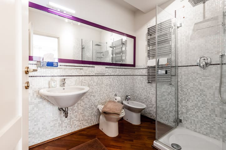 Private double bedroom Bath with shower