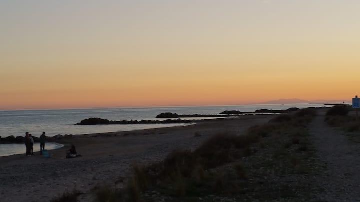 Le Mazet de la plage, pieds dans l'eau !
