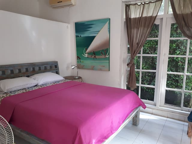 3 bed rooms with AC