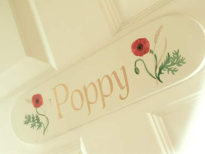 Poppy King Room - The Ilchester Arms Hotel