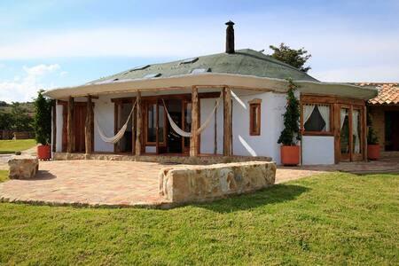Mágica Casa por la vía al Fosil - Villa de Leyva