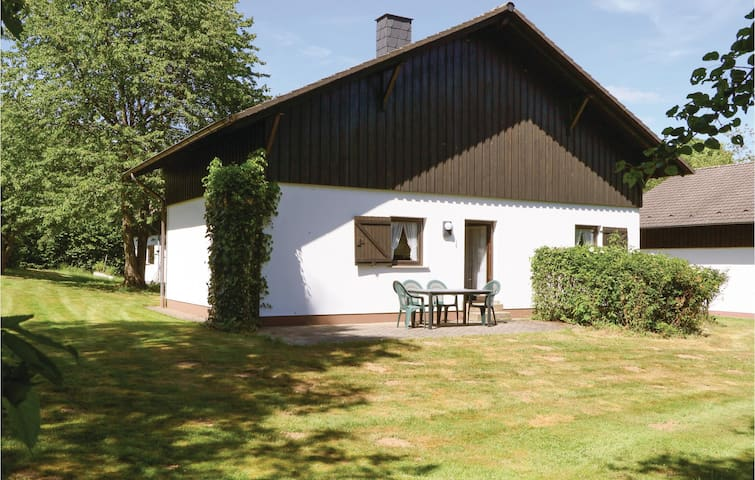 Holiday cottage with 2 bedrooms on 75 m² in Thalfang