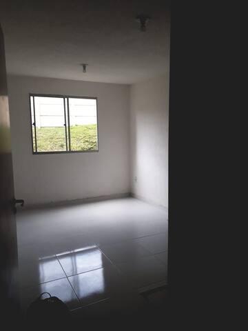 Apartamento em Condomínio Fechado