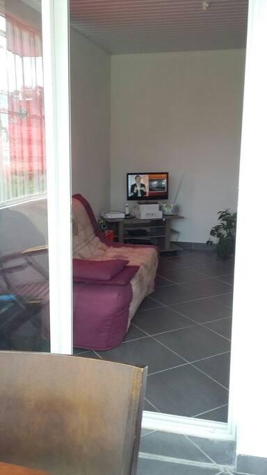 agr able t3 meubl route de saint maurice appartements louer saint laurent du maroni. Black Bedroom Furniture Sets. Home Design Ideas