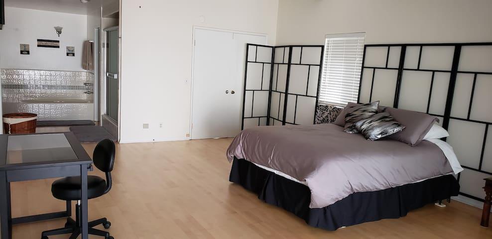 Private Guest Room, Redondo Beach adjacent