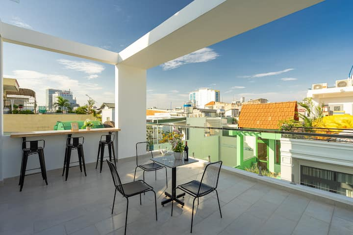 Beautiful Terrace[Discount 40%]Quiet APT w Kitchen