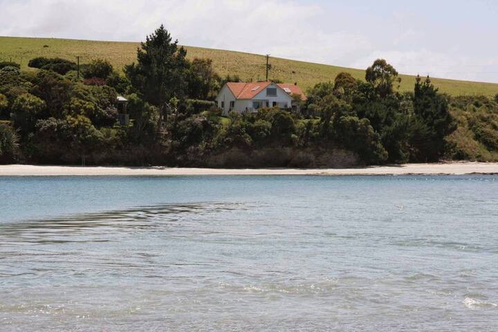 The Taieri Lodge 20 minutes from Dunedin Airport
