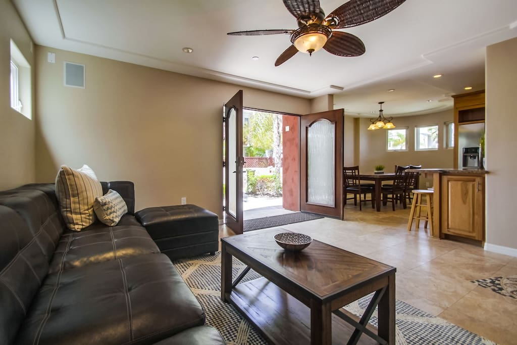 Comfortable couch, flat screen TV, opens up to ground floor patio