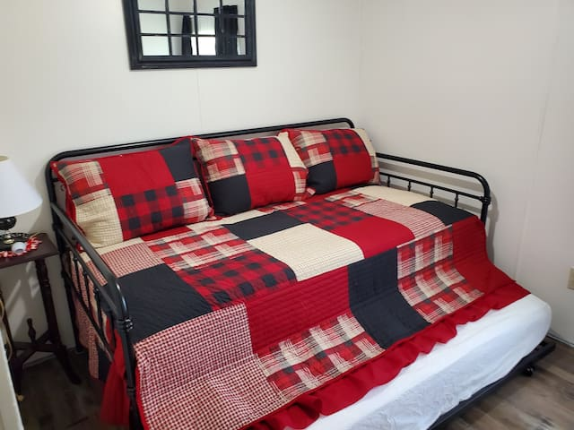 1st small bedroom with twin daybed with trundle