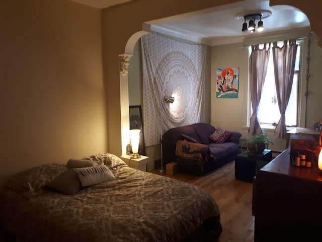 Chambre privée près de la Promenade Masson