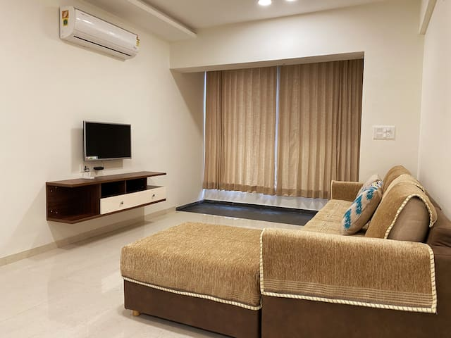 New luxurious flat -3bhk- in Pratapgunj