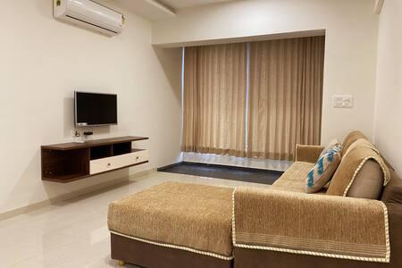 New luxurious flat -3bhk- in Pratapgunj