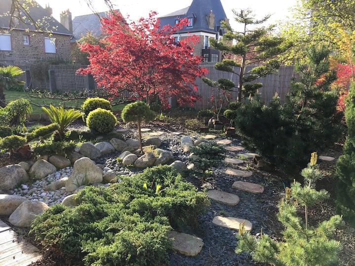Maison avec jardin proche plage Sillon et Thermes