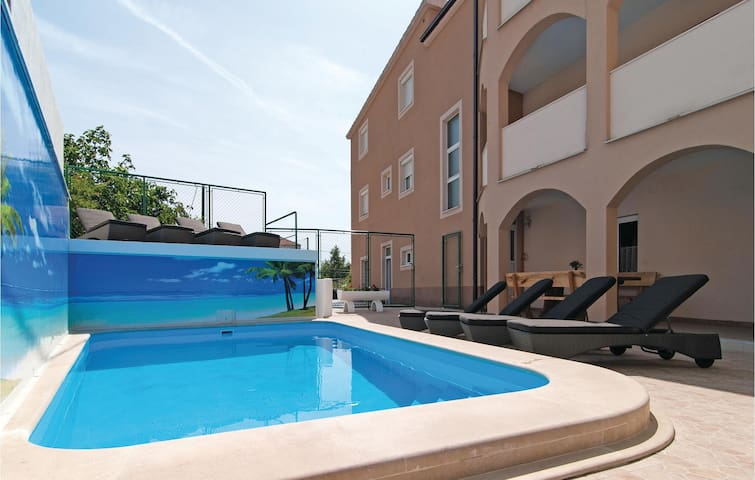 Holiday apartment with 1 bedroom on 45 m² CDE125